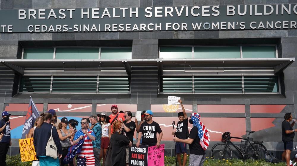 Antivaxxers at Cedar-Sinai