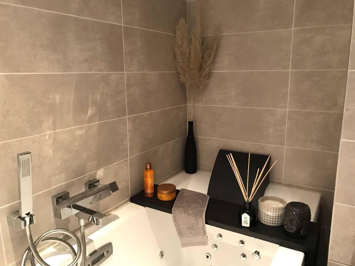 zoom plateau de baignoire + déco