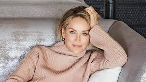 INSOLITE) Sharon Stone bannie d'un site de rencontre - Le Messager