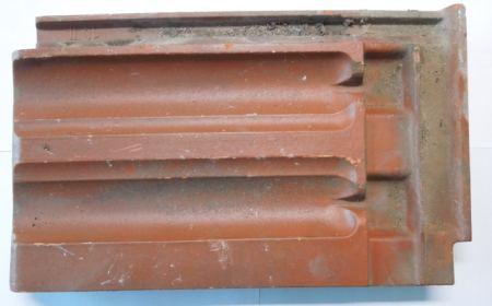 Dachfalzziegel mit 3-fach Kopfverschluss