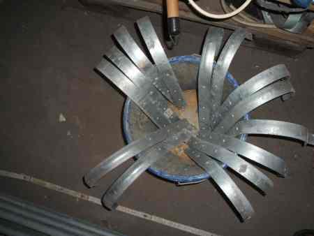 Zink Dachrinnenhaken gerade f. 333er Dachrinnen, 15cm Durchmesser