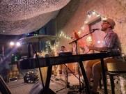 chez bernard gisquet Lou Cantoun Apéro concert _Mam'zelle bee