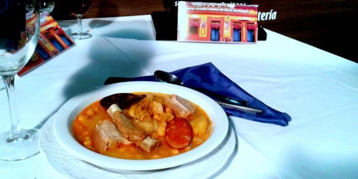 Puchero de coles. Restaurantes de Córdoba Sociedad Plateros María Auxiliadora