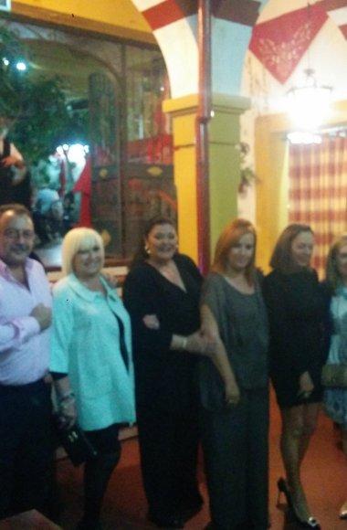 Charo Reina en el Restaurante en Cordoba Sociedad Plateros Maria Auxiliadora 11