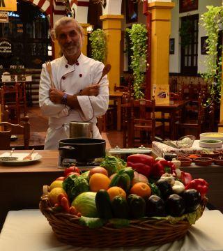La television de Turquia en el Restaurante Sociedad Plateros Maria Auxiliadora 01