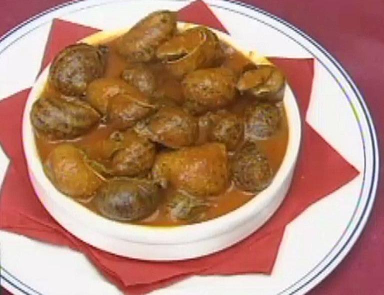 Caracoles gordos en salsa