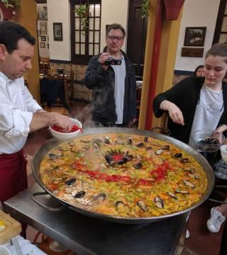 Curso de paella para estudiantes franceses en el Restaurante Sociedad Plateros Maria 07