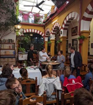 Curso de paella para estudiantes franceses en el Restaurante Sociedad Plateros Maria 13