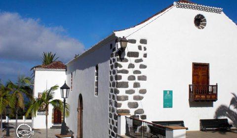 Iglesia de San Andrés Apostol · Restauranente San Andrés · La Palma