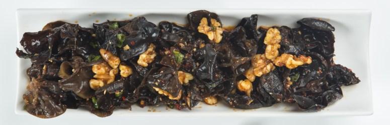 Champignons aux noix et à la vinaigrette szechuan