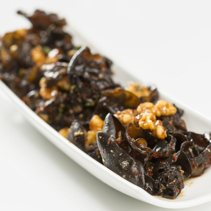 Mushroom with Walnuts and Spicy Szechuan Dressing