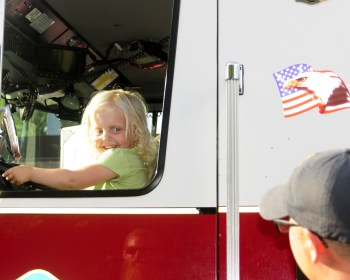 2018 RHH Independence Parade fire truck fun 1