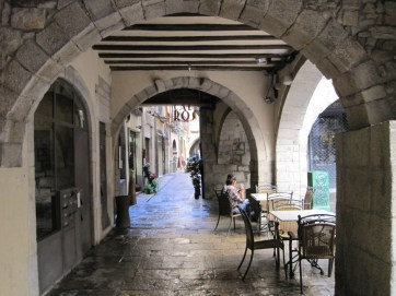 It's a city of cobbled streets and arcades,
