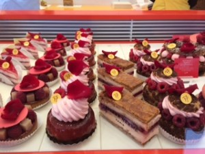 Ispahan fetish line of entremets