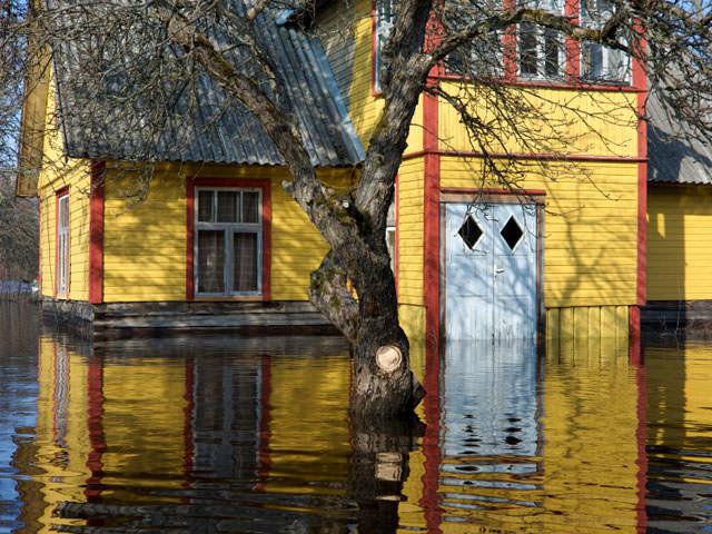 04lg-water-flood