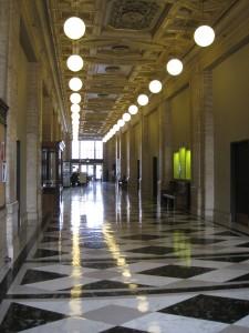511 Broadway hallway as it was (photo courtesy of Gerding Edlen)