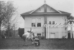 Undated photo of Sunnyside School after transformation into residential use (Photo courtesy Benton County Historical Society)