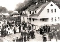 Barview_LifeSavingSta-Historic_Crowd