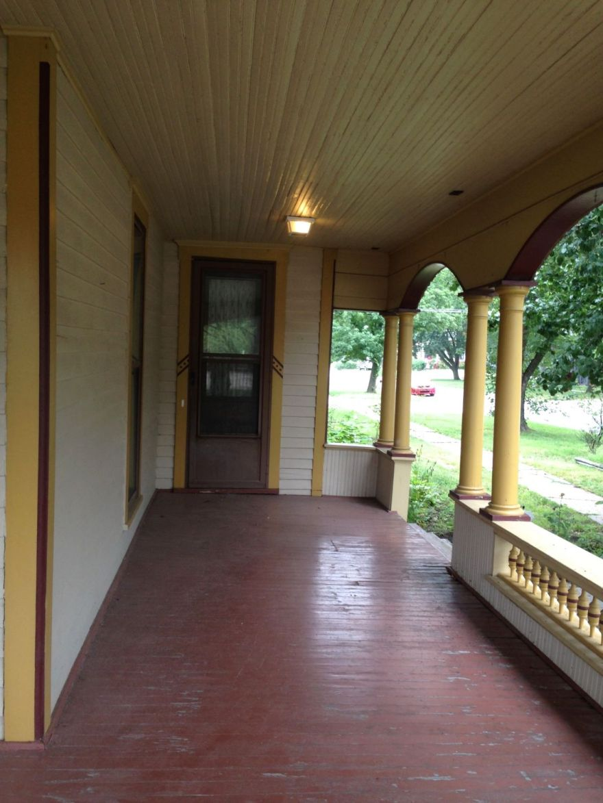 Looking west, on the same L-shaped porch.