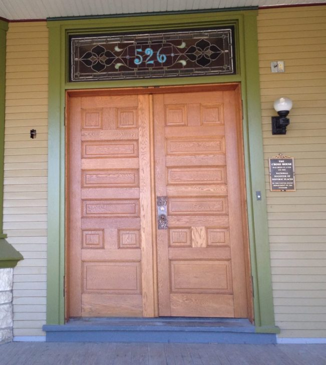 I have done several posts about refinishing the threshold of the main entrance. It was painted gray. The images I have posted showed the outer solid doors open. But with them closed, they nicely pick up the newly revealed oak threshold. Yummy.