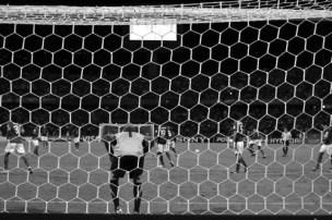 Mika in his net (FRA-POR)