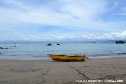 lancha en playa de Terquito