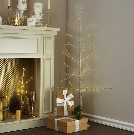 Not a lot of space? Looking for festive impact? This pre-lit tree is perfect!
