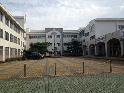 十和田市立三本木小学校