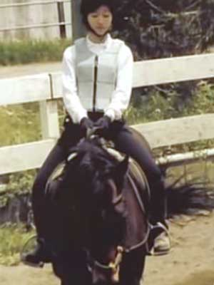 山木梨沙 高校時代 乗馬