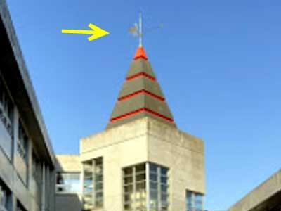 三郷市立瑞穂中学校 風見鶏