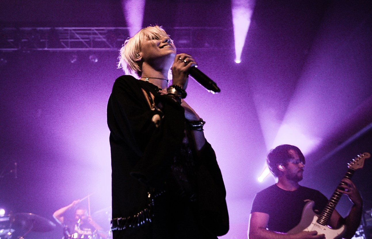 Tonight Alive-8