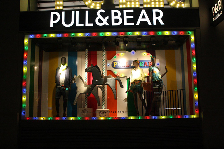 Pull Amp Bear Windows Oxford Street London
