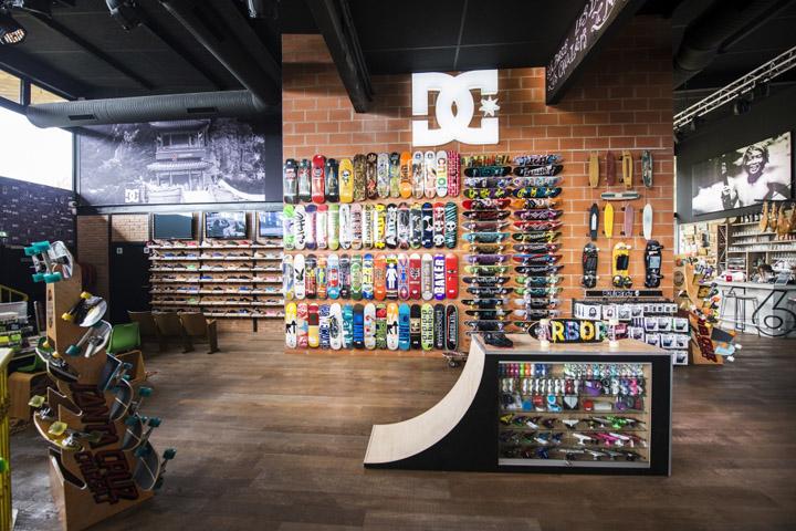 Quicksilver flagship store Saint Jean de Luz 07 Quicksilver flagship store, Saint Jean de Luz   France