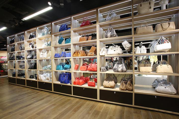 LA HALLE Flagship Store By SUPERBRAND Paris France