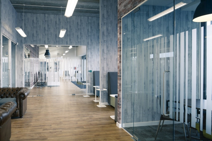 , The Centre for Digital Innovation Offices by Chameleon Business Interiors, Hull – UK, Office Furniture Dubai | Office Furniture Company | Office Furniture Abu Dhabi | Office Workstations | Office Partitions | SAGTCO