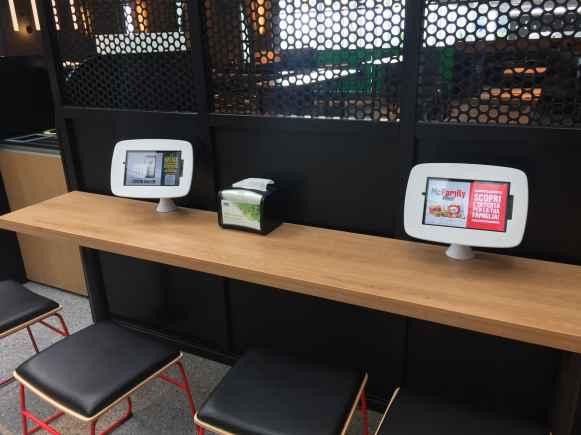 Tablet interattivi ai tavoli