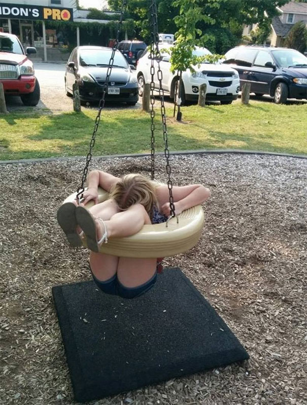 funny-adults-stuck-children-playground-2-5c249e2c90b71__605.jpg