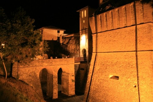 Felino - Castello di Felino in notturna