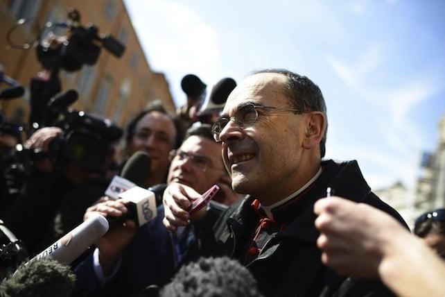 Francia, Pedofilia: il cardinale Barbarin a processo, non denunciò un prete orco