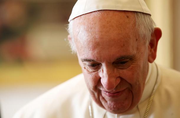 La grossa grana di Papa Francesco: la tentazione di tenersi i pedofili