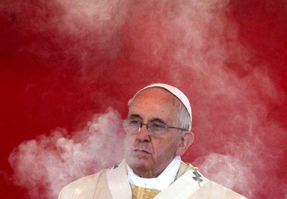 Scandalo pedofilia: Papa Francesco nell'occhio del ciclone