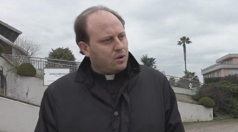 Caserta, riti esorcisti e violenza sessuale su 14enne in Campania: arrestati prete, poliziotto e genitori
