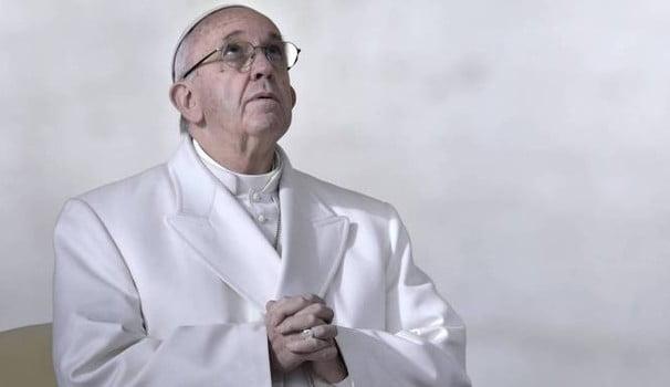 Critiche e casi irrisolti, il Vaticano fa quadrato: il Papa dedica il venerdì alle vittime