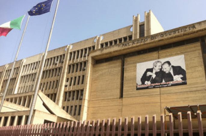 Prete accusato di pedofilia: sopralluogo dei carabinieri in canonica
