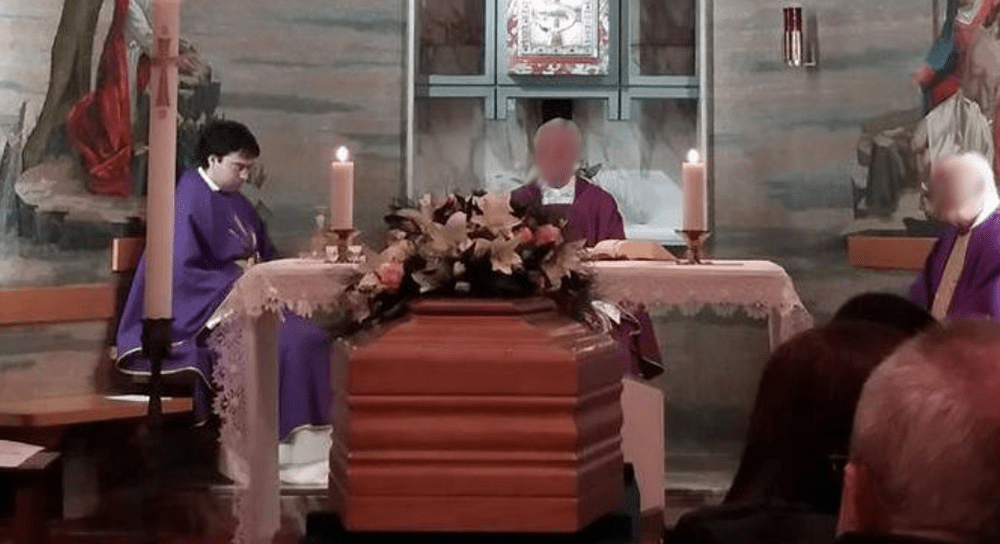Don Martinelli mai sospeso; la finta tolleranza zero di papa Francesco