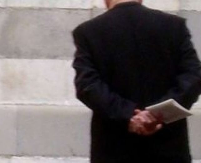 """Marsala, il processo a Padre Genna per violenza sessuale. Il teste: """"Fu lui a chiedere…"""""""