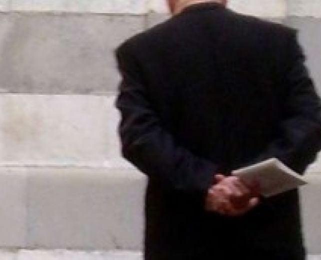 """Marsala, il processo a Padre Genna per violenza sessuale. Il teste: """"Fu lui a chiedere..."""""""