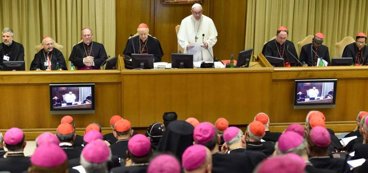 Il caso del sacerdote milanese arriva al tavolo del Papa