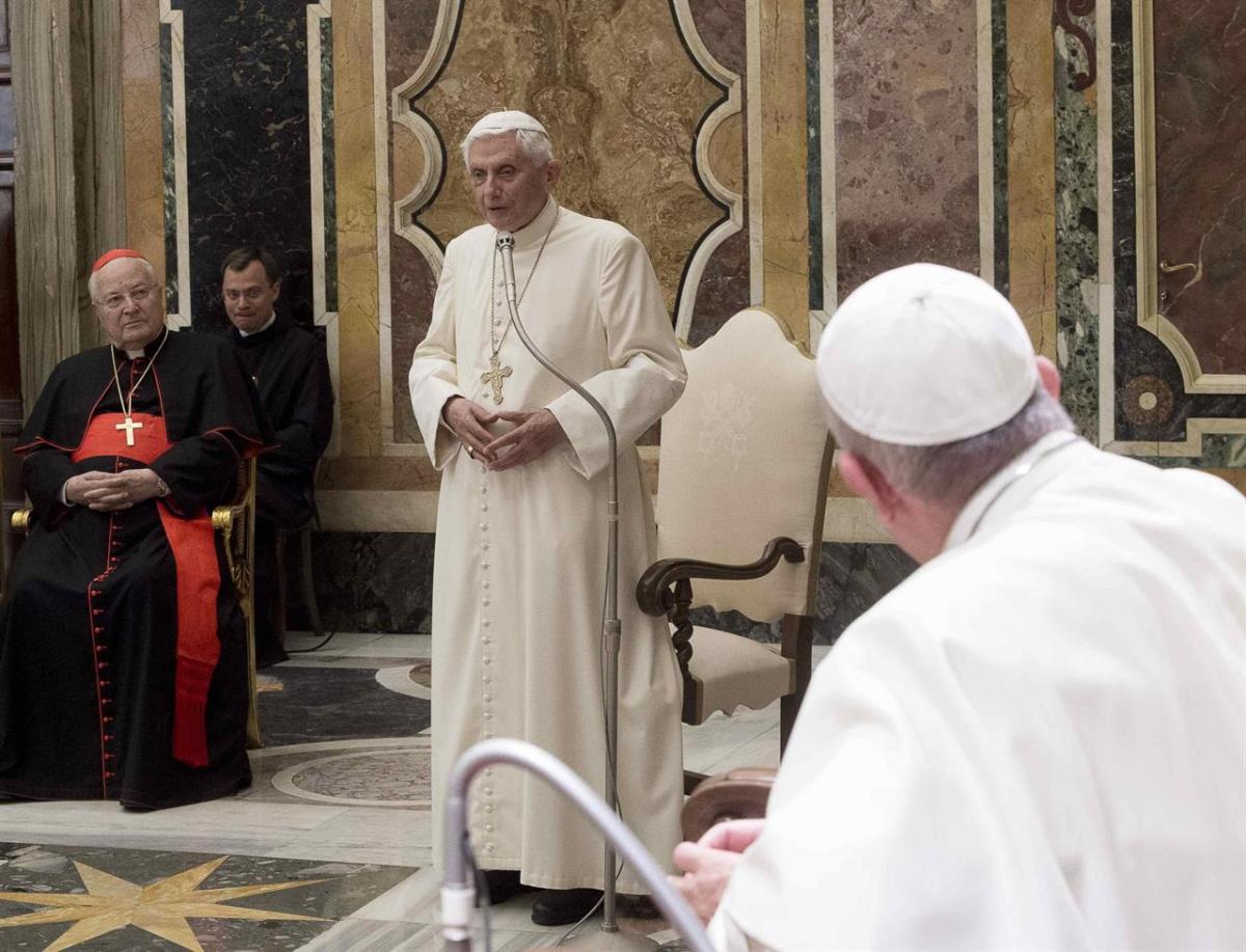 Gli strani silenzi di Ratzinger nel testo sulla pedofilia