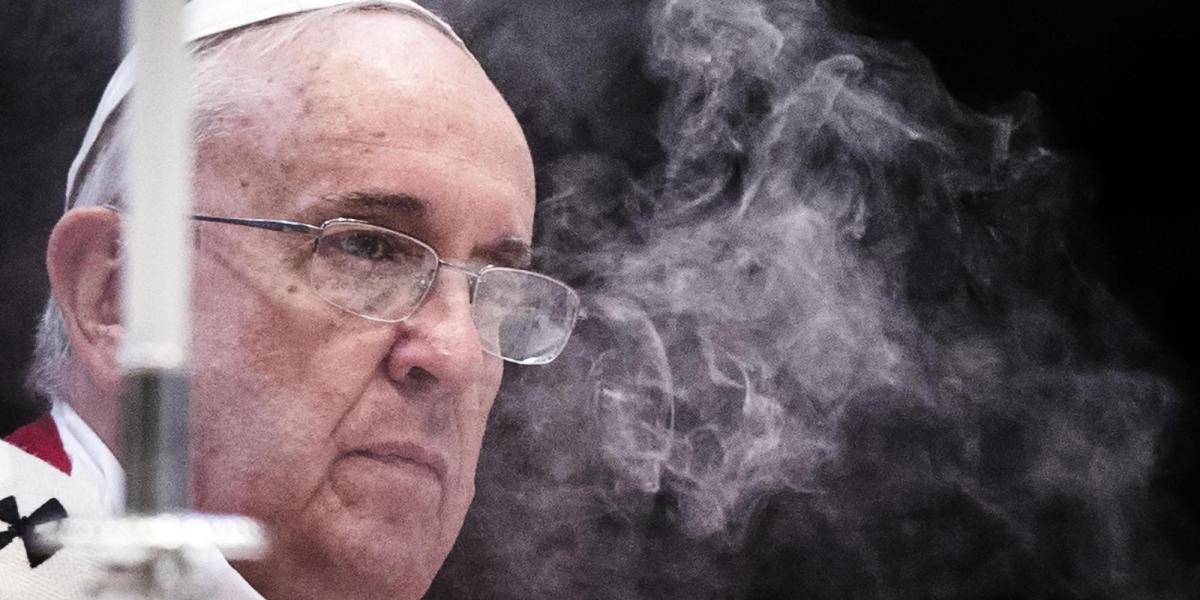 La grande burla di papa Francesco sui provvedimenti anti pedofilia. La consapevole menzogna